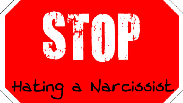 how-to-stop-hating-a-narcissist-and-move-on