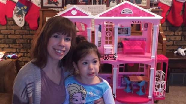 my-opinion-and-review-of-the-barbie-dreamhouse