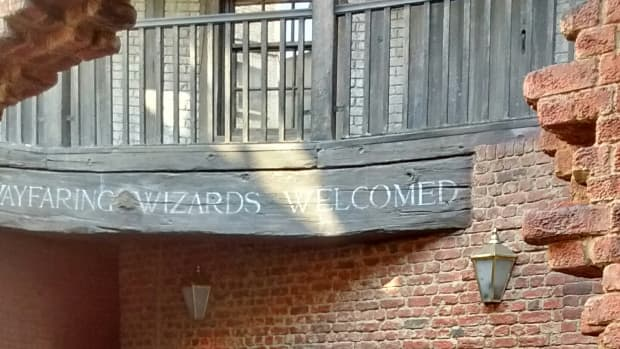 the-wizarding-world-of-harry-potter-hogsmeade-and-diagon-alley