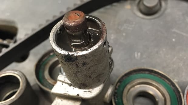 knocking-or-ticking-noise-from-your-engine