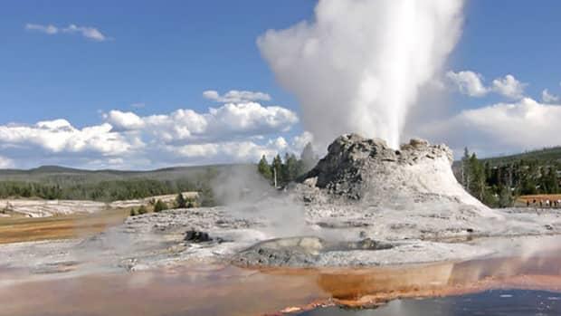 geysers-hot-springs-and-similar-phenomena