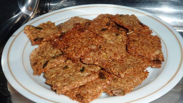 how-to-make-linseed-fenugreek-and-pumpkin-seed-keto-crackers