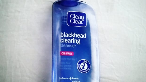 my-review-of-clean-and-clear-blackhead-clearing-cleanser