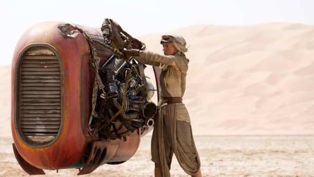 6-biggest-questions-from-star-wars-the-force-awakens-that-was-answered-in-the-last-jedi-and-2-that-wasnt
