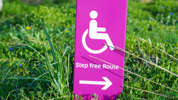 how-to-decide-between-a-cane-a-walker-or-a-rollator-for-mobility-needs