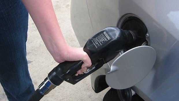 从石油到燃料汽油是如何进入你的油箱的