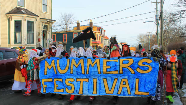 mummering-in-newfoundland-a-christmas-tradition