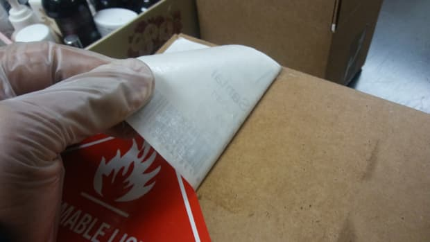 how-to-remove-sticker-from-cardboard-box