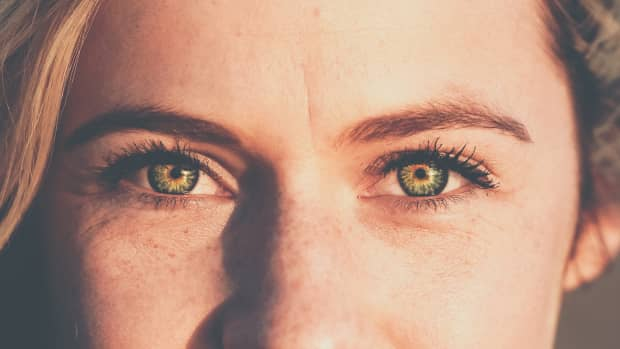 what-research-can-teach-us-about-improving-our-eye-contact