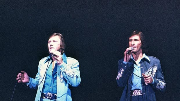 the-story-behind-the-song-unchained-melody-by-the-righteous-brothers