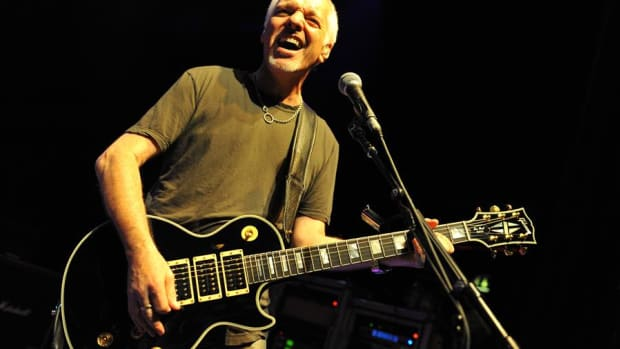 peter-frampton-and-the-gibson-les-paul