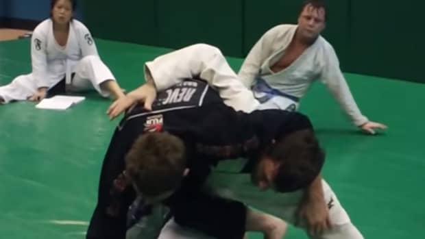 hip-bump-sweep-triangle-set-up