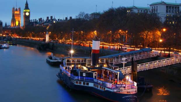 londons-embankment