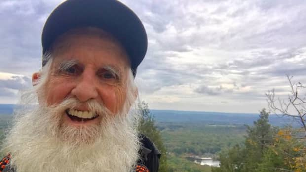 at-the-age-of-82-dale-sanders-hiked-the-entire-2-190-mile-appalachian-trail
