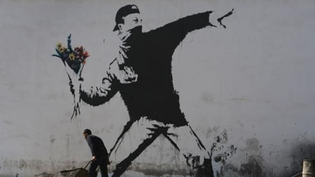 the-richest-and-most-famous-robin-hood-artist-in-the-world-banksy