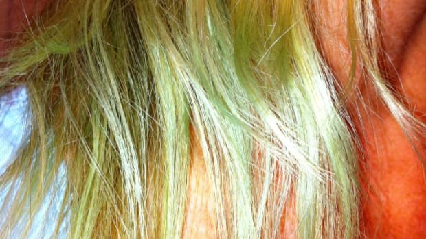 help-my-blonde-hair-has-turned-green
