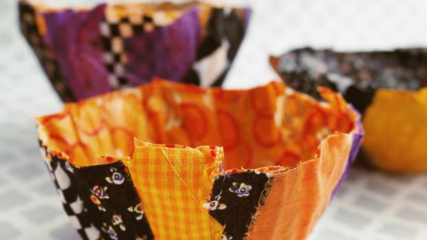 diy-fabric-scrap-tutorial-no-sew-halloween-bowls