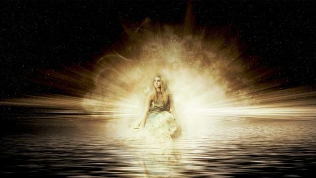 the-light-that-sanctifies-a-poem