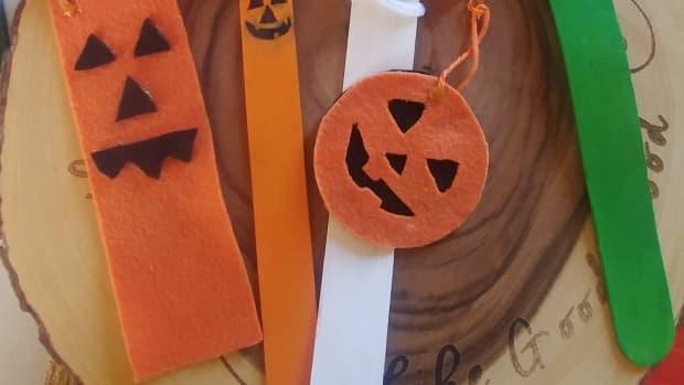 jack-o-lantern-themed-bookmarks
