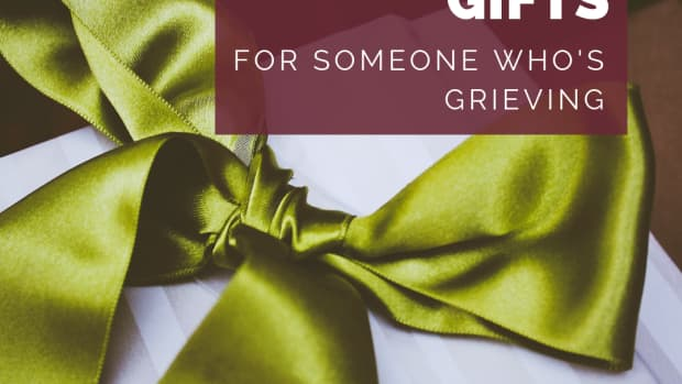what-to-gift-someone-who-just-lost-a-loved-one-instead-of-flowers