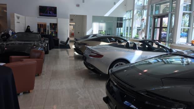 谁应该租一辆新车