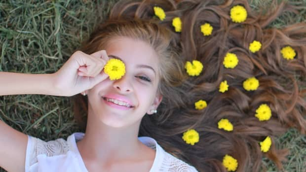 how-to-feel-happier-by-living-with-less