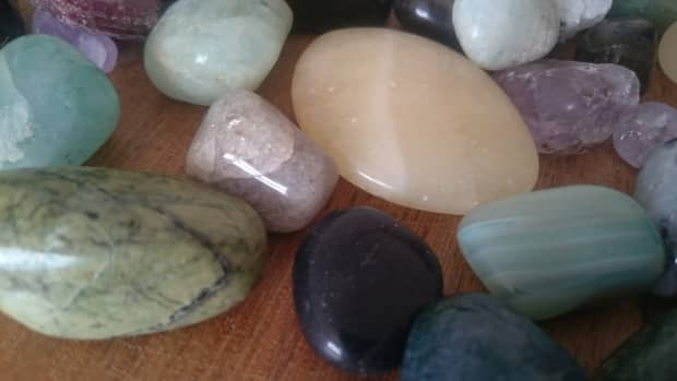 how-to-select-crystals-using-vibrational-energy