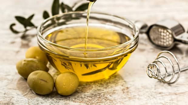carrier-oils-benefits-and-uses-of-the-popular-carrier-oils-used-in-aromatherapy