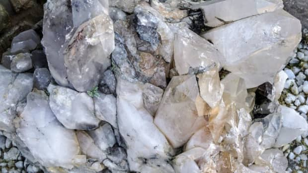 combining-crystals-with-other-healing-modalities