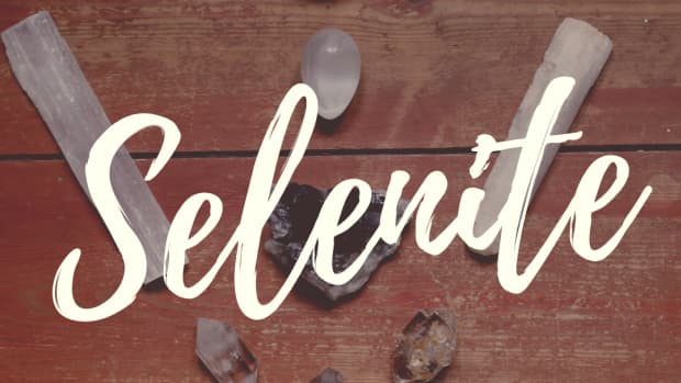crystal-healing-selenite-stone-properties-and-meaning