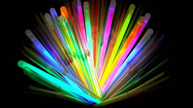 how-do-glow-sticks-work