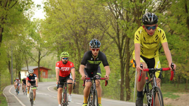 cycling-to-build-leg-muscles-quickly-gain-muscle-riding-a-bike