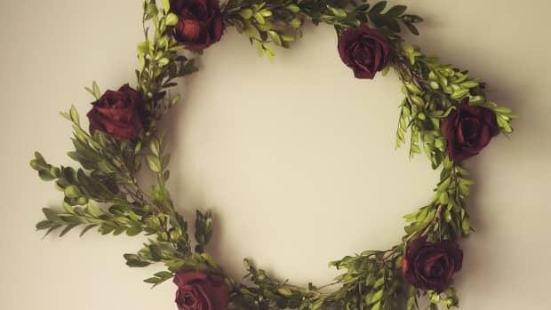 diy-boxwood-and-rose-wreath