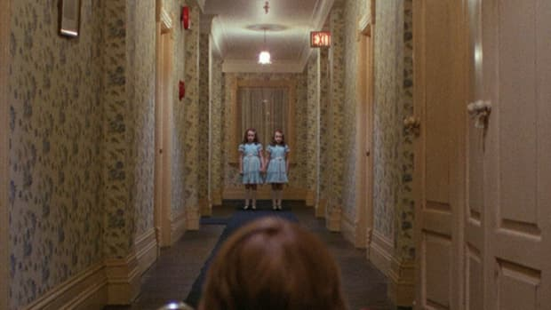 impossible-to-overlook-set-design-in-the-shining