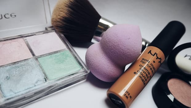 one-item-that-will-up-your-makeup-game-total-perfecting-blender-sponge