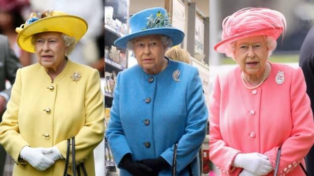 8-surprising-things-queen-elizabeth-carries-in-her-handbag
