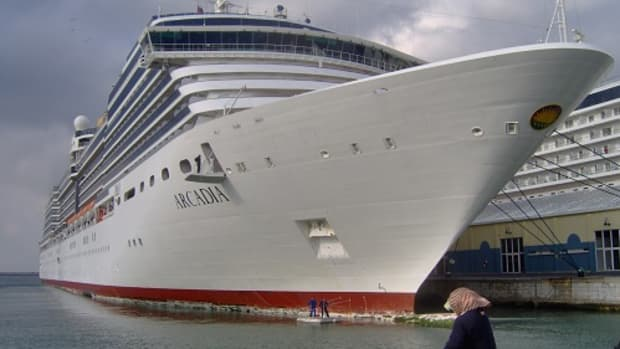 what-are-cruise-ships-like-for-holidays