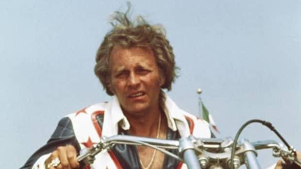 evel-knievel-legendary-motorcycle-daredevil