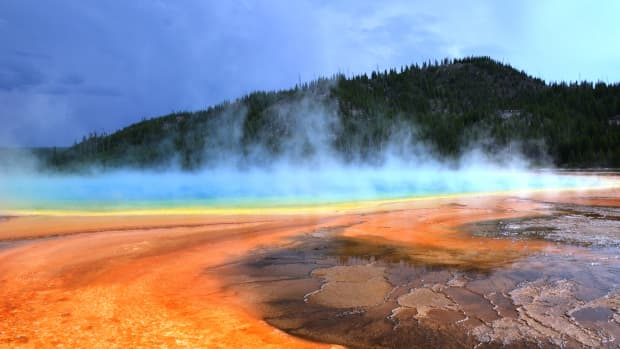top-ten-things-to-do-in-yellowstone-national-park