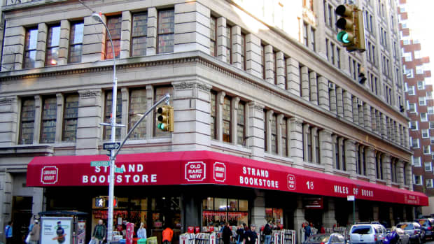 10-new-york-book-stores-everyone-should-visit-before-they-disapear