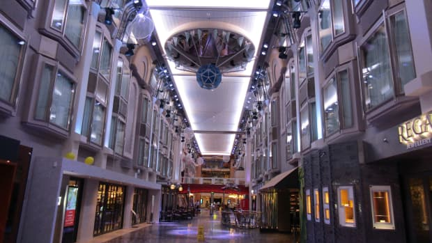 mariner-of-the-seas-cruise-day-2-review-on-the-amplified-mariner-ship