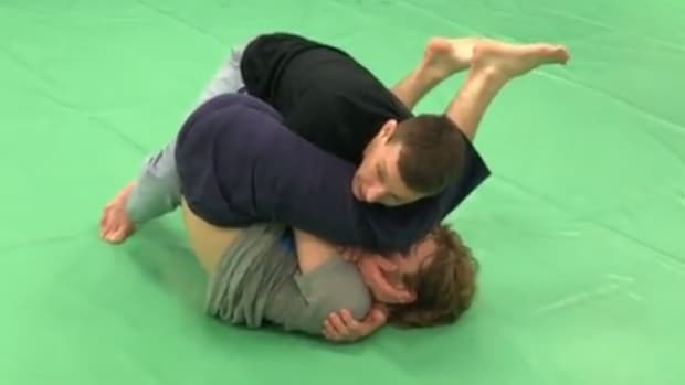 how-to-defend-an-armbar-from-guard