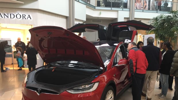 when-i-first-spied-a-tesla-model-x-wow