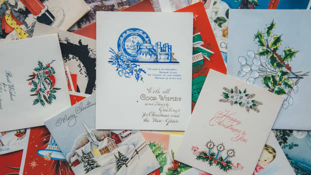 reasons-to-send-christmas-cards-in-the-age-of-social-media-and-e-cards