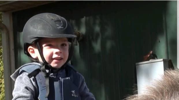riding-helmets-101