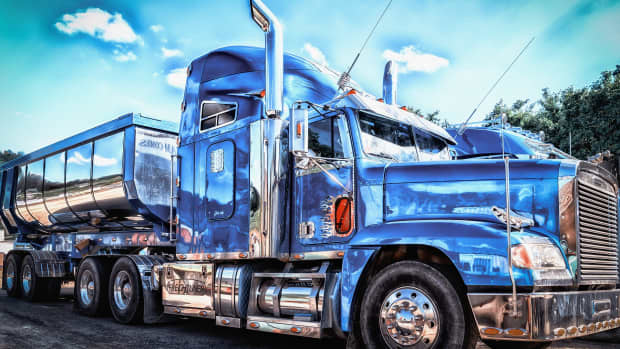 commercial-truck-driving-career-is-it-for-you