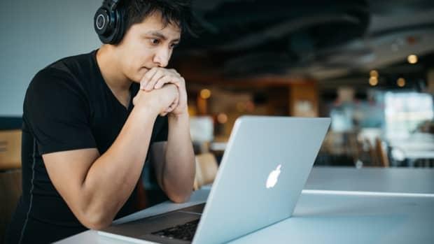 is-online-transcription-work-worth-it