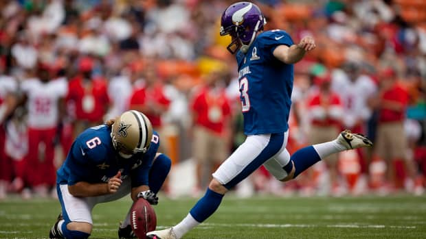reasons-punters-hold-for-field-goals