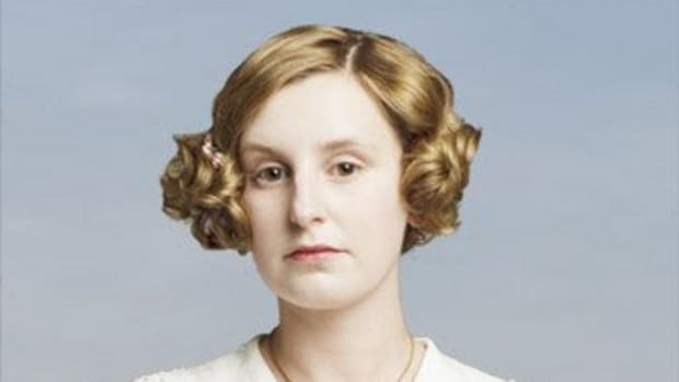 a-look-back-at-lady-ediths-most-memorable-costumes-in-downton-abbey