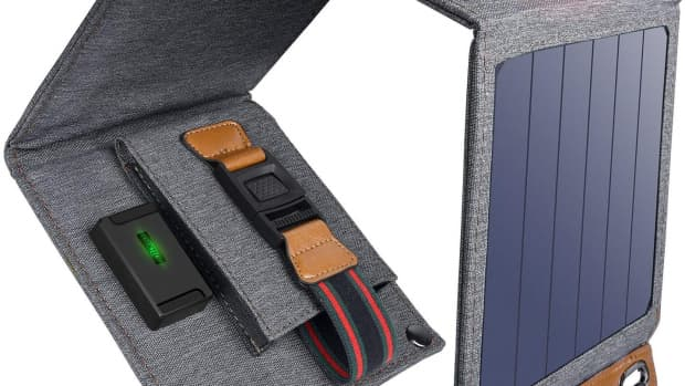 review-of-choetech-foldable-solar-charger-top-phone-charger-for-camping